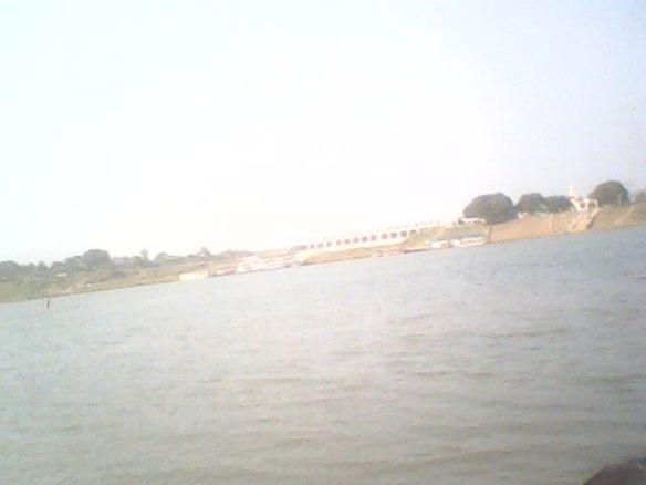 కొవ్వాడ కాలవ నీరు గోదావరిలో కలిసే చోటు.